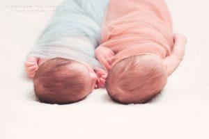 Lumielune fotografía newborn de bebé y recién gemelas bessones nacido nounat en Barcelona Gava Viladecans Castelldefels Begues